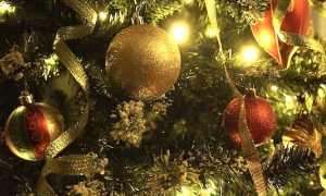 albero di natale luci decori