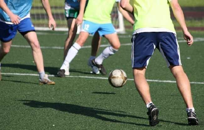 calcio giocatori palla