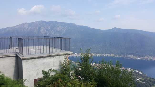 quarna sopra belvedere balcone lago